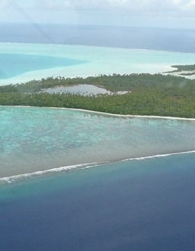Brando's atoll was holiday getaway for Tahitian royalty
