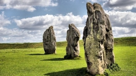 Human Henge - Walking with intent in the prehistoric landscape of the Stonehenge and Avebury World Heritage Site